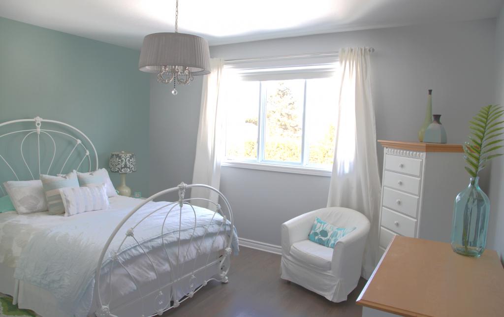 Serene Bedrooms Featuring Blue Painted Walls - Daniela ...