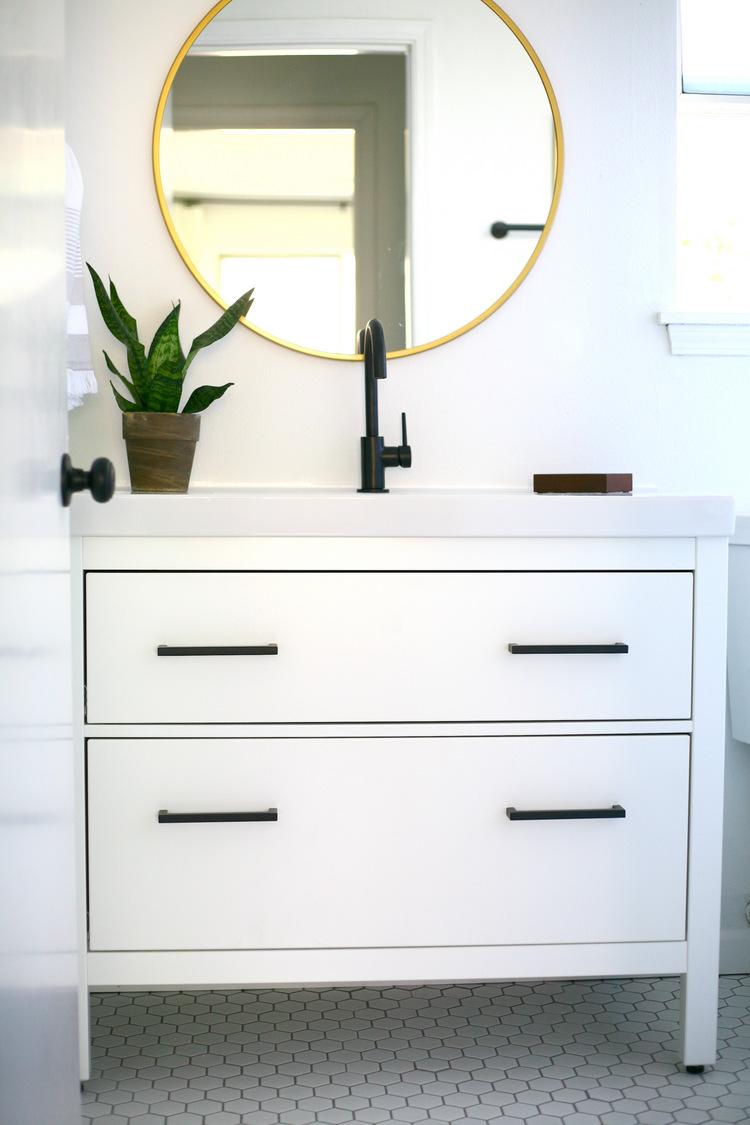 https://danielapluviati.com/wp-content/uploads/2018/04/IKEA-Hemnes-sink-cabinet-bathroom-vanity-hack.jpg